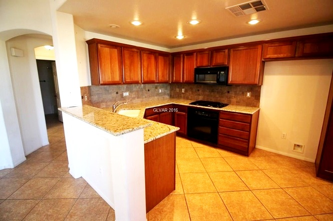 Coronado at Summerlin Condos for rent kitchen
