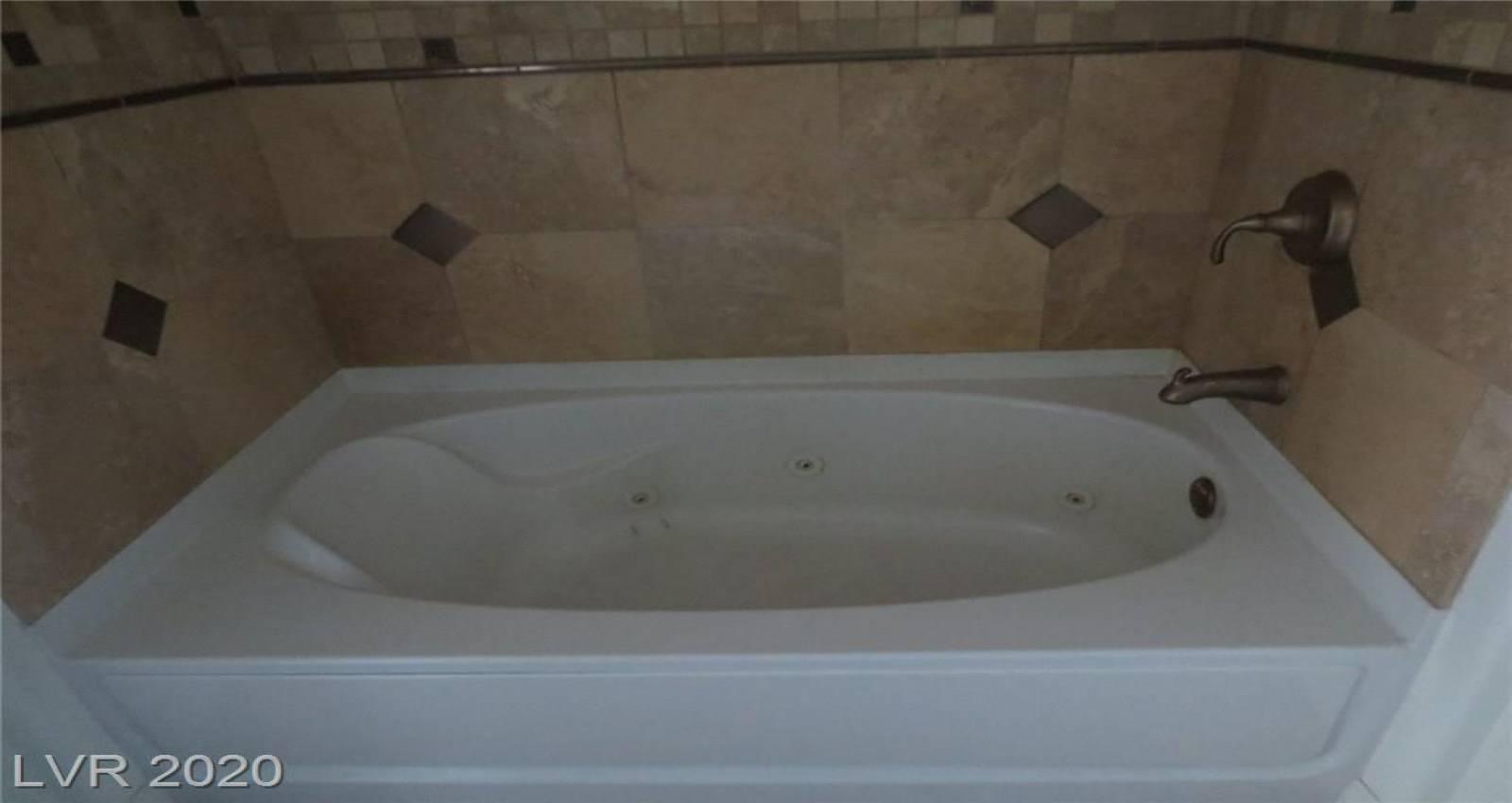 8255 LAS VEGAS Boulevard, Las Vegas, Nevada 89123, 1 Bedroom Bedrooms, 4 Rooms Rooms,1 BathroomBathrooms,Residential Rental,For Rent,LAS VEGAS,2173491